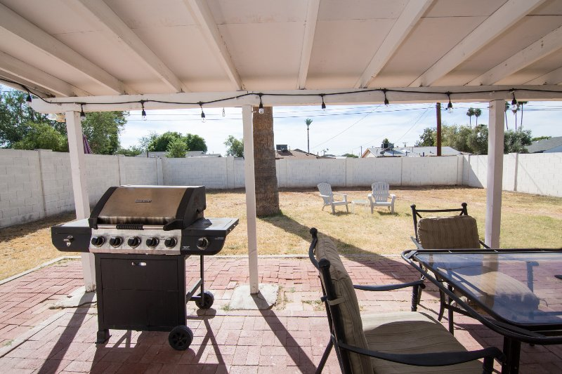 Awesome backyard for you pets, secure, safe and all yours. BBQ and 2 bikes to use.