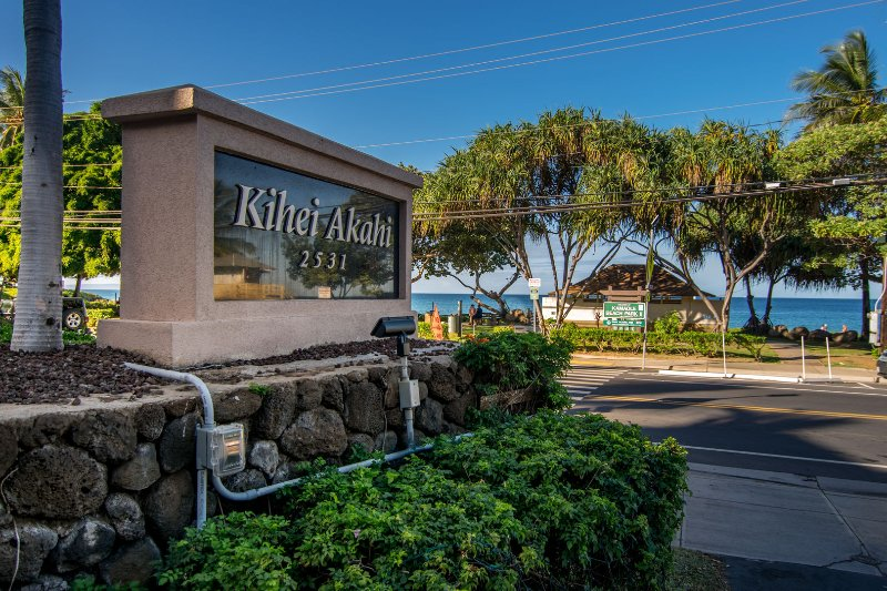 Kihei Akahi Resort is located right across from some of the best beaches on Maui!