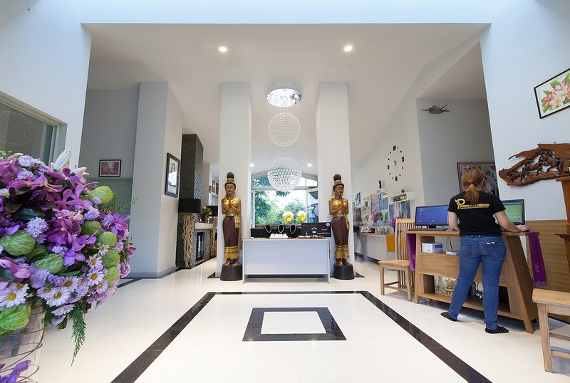 Bakkerresidence  room & luxury family's bar & kids club at Chiang Mai., holiday rental in Lamphun