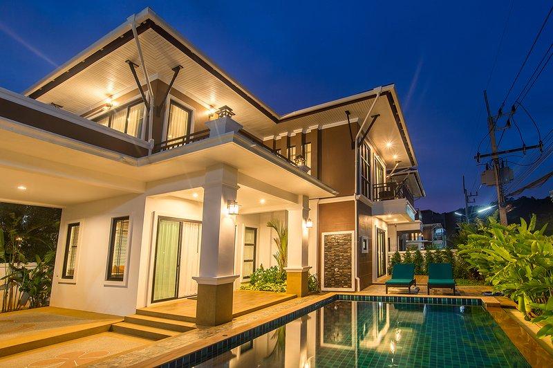Baan Ari, Luxury Ao Nang Pool Villa, holiday rental in Nong Thale