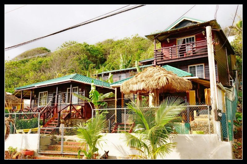 Villa Rasta/ Panoramica Ocean view bungalows, holiday rental in Seatons