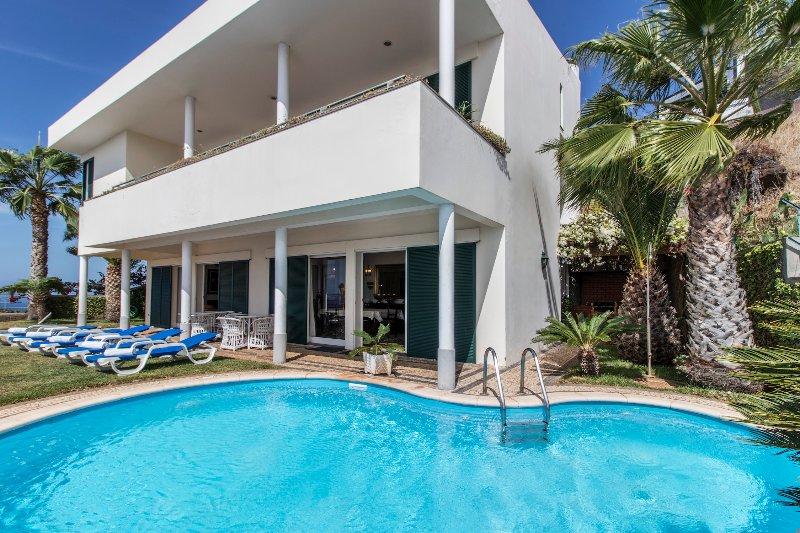 Villa Cristo Rei - New!, holiday rental in Canico
