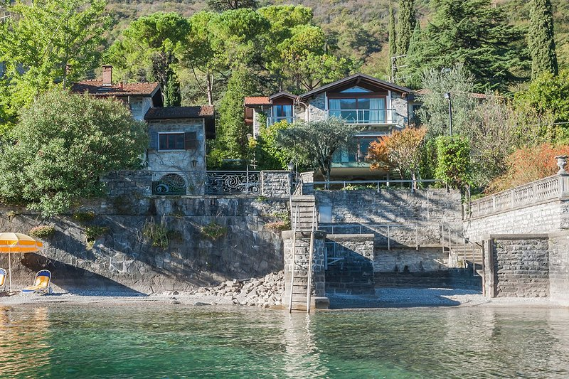 Villa Sara lakeside, holiday rental in Oliveto Lario