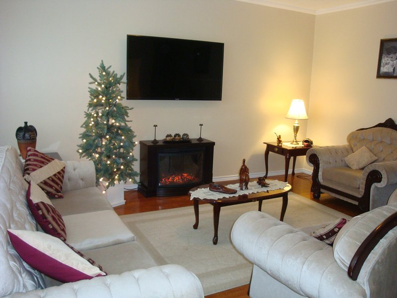 Nice house in the Center of Ottawa with Parking, holiday rental in Ottawa