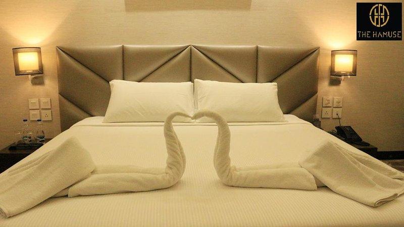 The Hamuse Hotel - Executive Suite, holiday rental in Kodaikanal