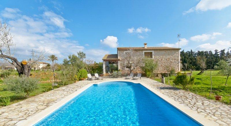 Villa Rafael in Buger, vacation rental in Buger