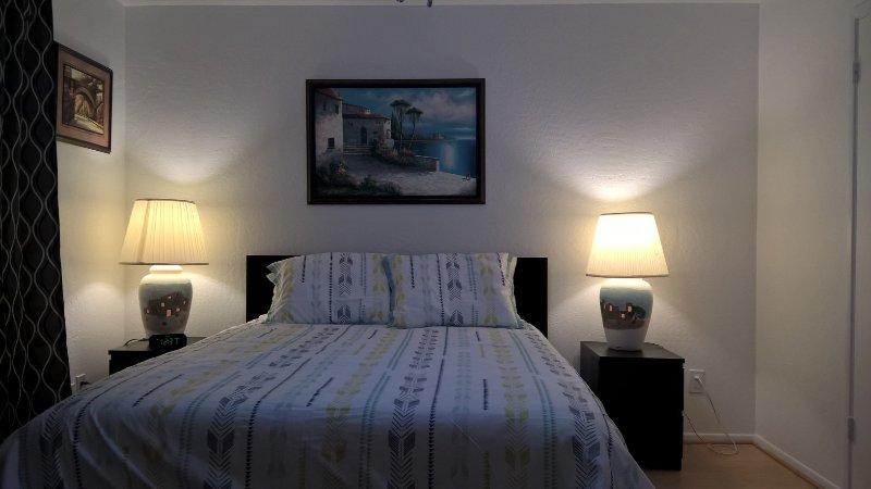 1BEDROOMCONDOABOVEPOOL2dnFLOORNOONEABOVEBYSUNCITIES, location de vacances à El Mirage