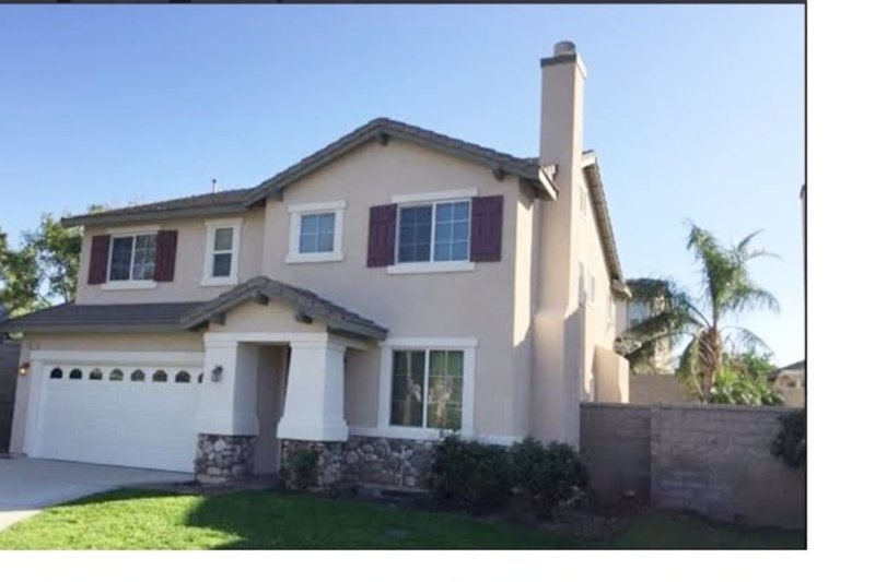 Beautiful Single family home in LosAngeles/Fontana,CA, aluguéis de temporada em Wrightwood