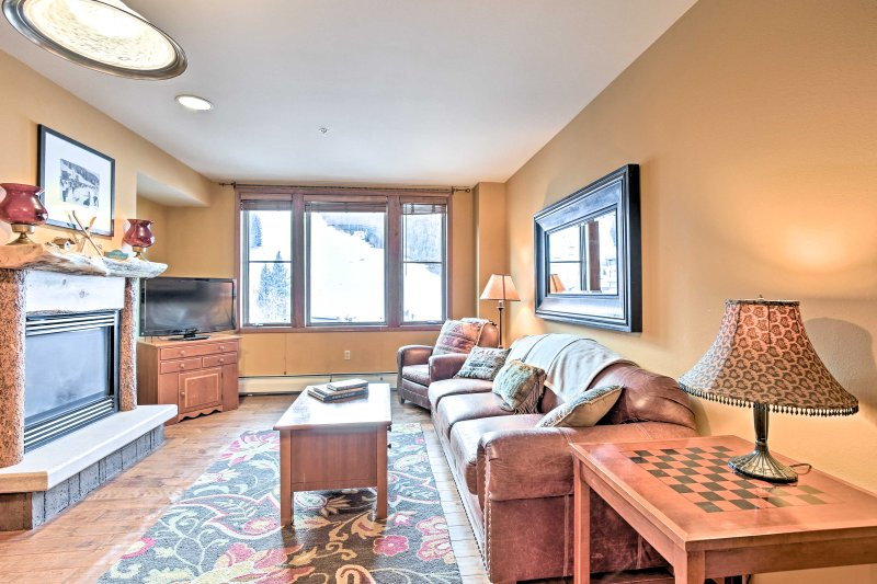 This charming condo boasts incredible mountain views and accommodations for 4 guests.