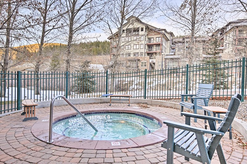 Take advantage of the countless community amenities during your stay including 4 hot tubs.