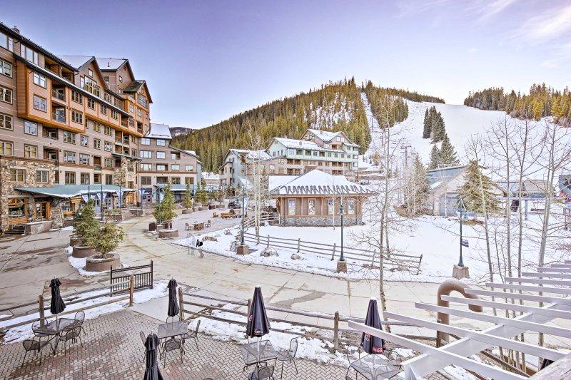 With ski-in/ski-out slope access, this Winter Park condo offers a hassle-free Colorado vacation!