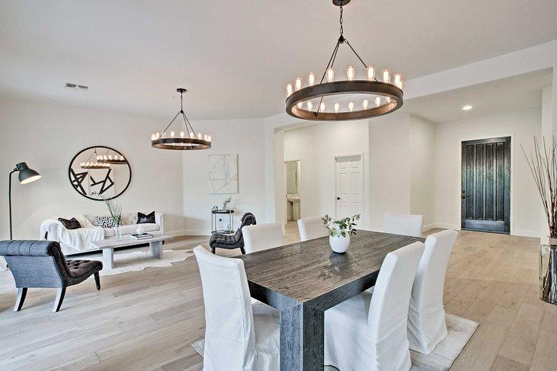 Découvrez Scottsdale dans le style lorsque vous réservez ce luxueux 4 chambres, 2,5 salles de bains maison de location de vacances!