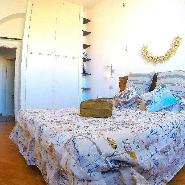 La Bitta sul Molo 010025-LT-0114 vicino al centro storico e all' acquario, holiday rental in Genoa