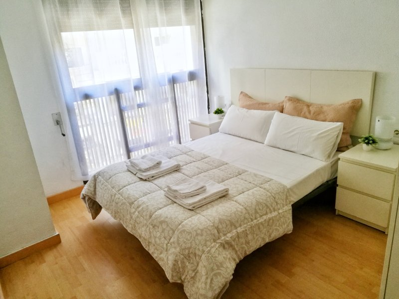 Apartamento moderno y cómodo en el centro!, holiday rental in Grao