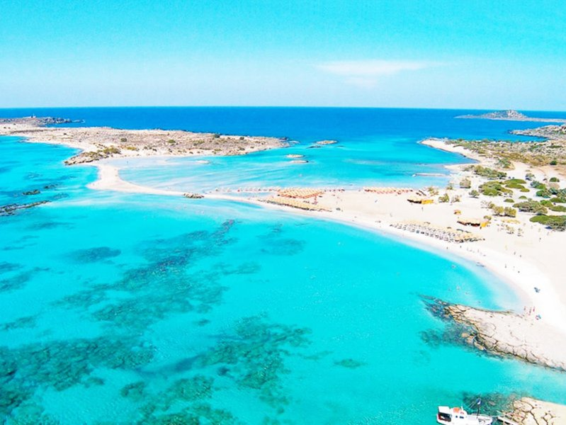 The blue waters of the beach of Elafonissi is located 93Km from the villa