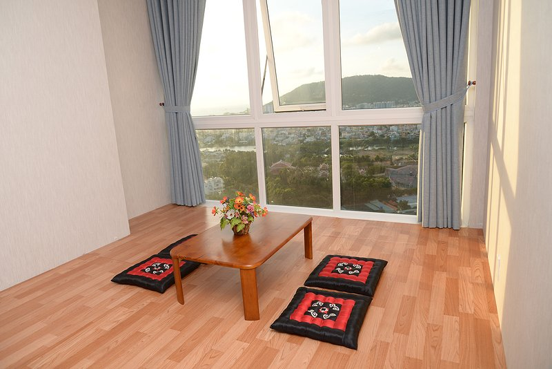 Vung Tau Apartment for Families or Groups, holiday rental in Long Hai
