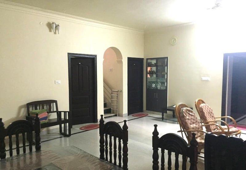 DM Villa Homestay, holiday rental in Arasinaguppe
