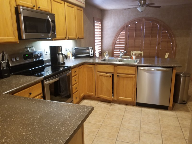 3 bedroom, 2 bath home, holiday rental in Peoria