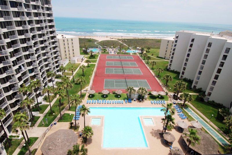 Saida Towers Pool und Tennisplätze