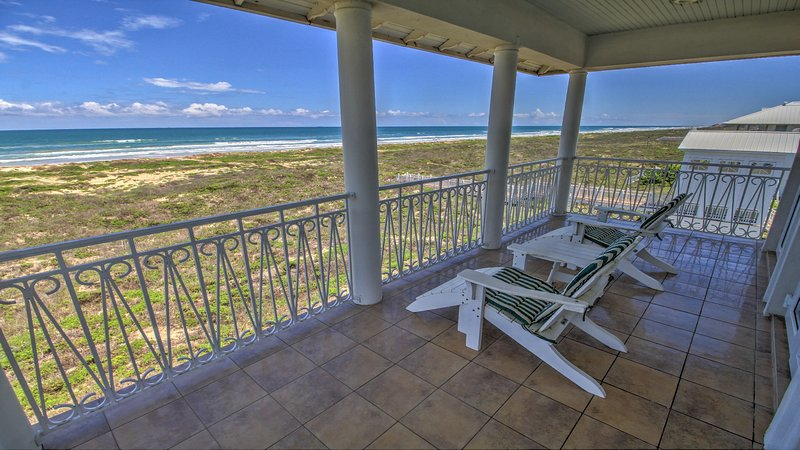 Balcony overlooking the Cleanest Beaches on the Island!