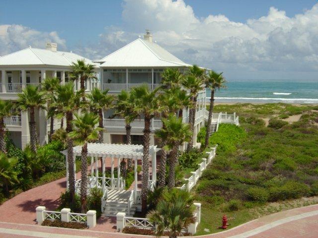 Casa de 3 habitaciones con acceso privado a la playa dentro de The Shores