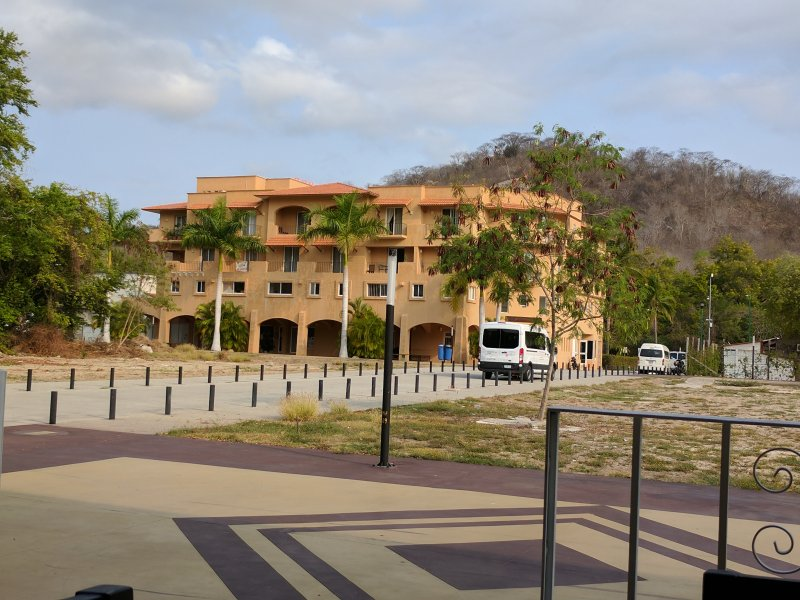 Plaza Coyula. In front Banamex, Italian Restaurant, Sports Bar. Back,Cafe Huatulco, and restaurants.