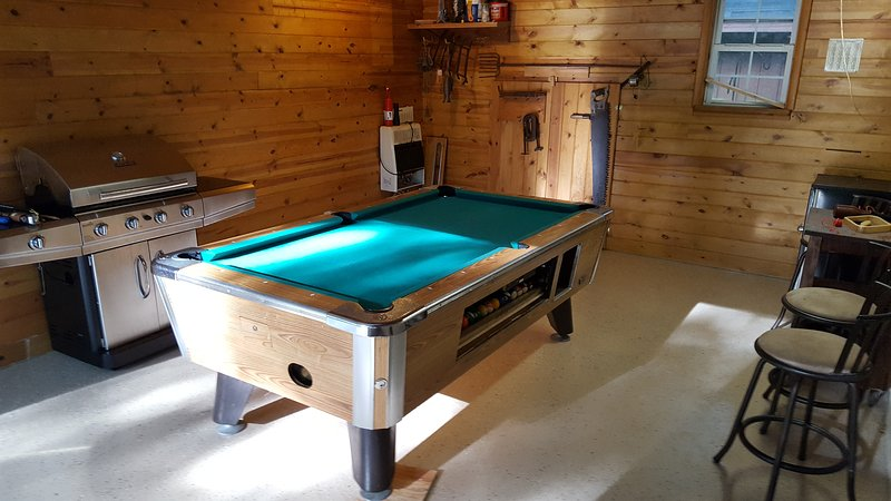 detached game room pool table room in progress