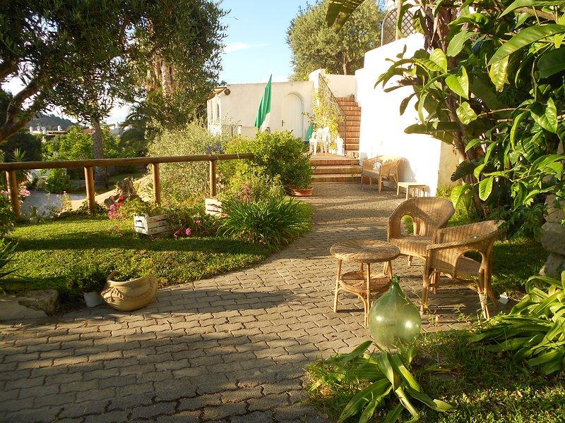 apartment 'La Quercia 'for 2 people, location de vacances à Forio
