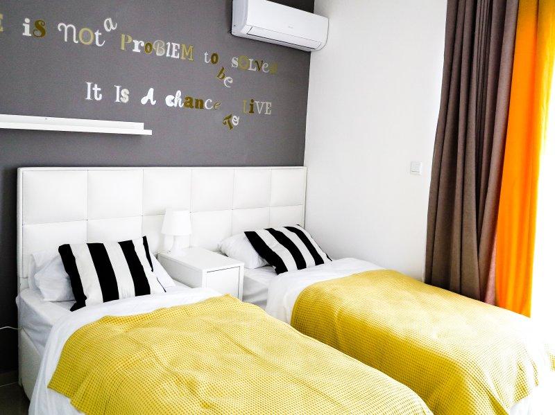 Guest bedroom (ground floor)