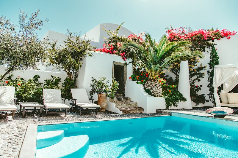 Famous Santorini villa with private pool- Car Rental included, holiday rental in Santorini