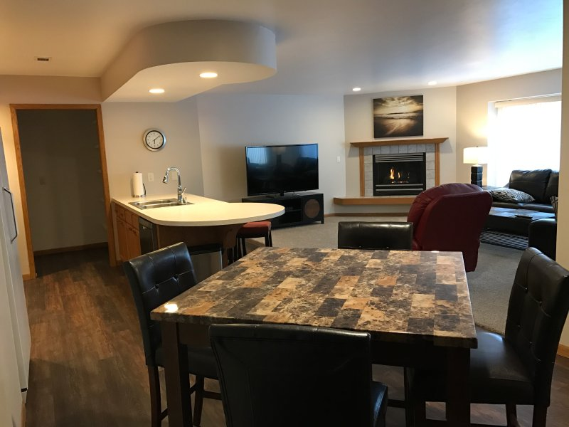 5th Steele Place, LLC  Executive Condos, holiday rental in Luxemburg