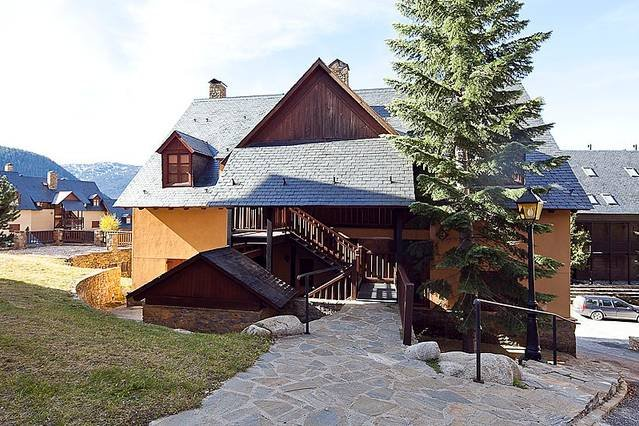 Apartamentos Tanau pie de pistas, vacation rental in Val d'Aran