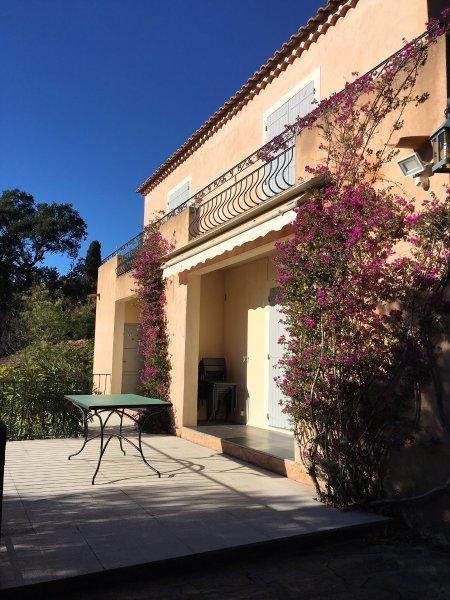 villa olivea,proche mer et plage,au calme, location de vacances à Rayol-Canadel-sur-Mer