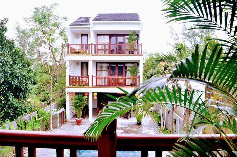 Louis Villa from its balcony