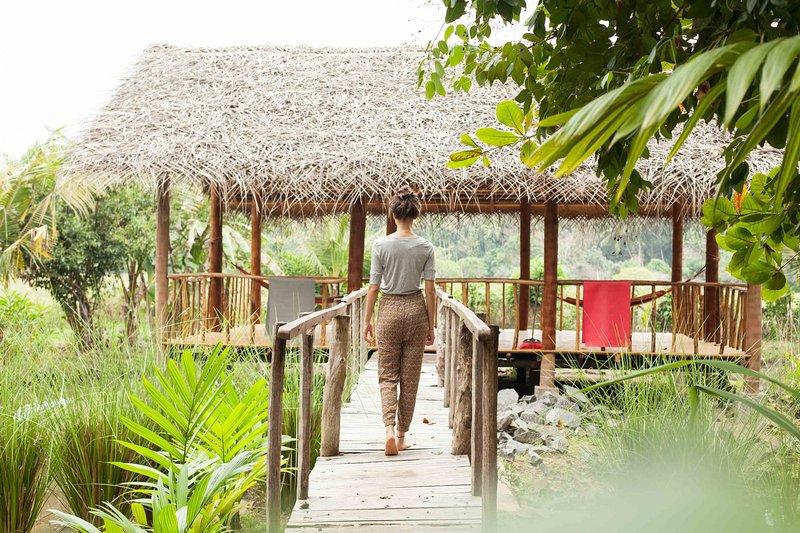 Wood studio@Kundala House Yoga, alquiler de vacaciones en Hikkaduwa