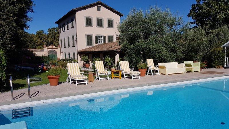 Sunbathing area of pool