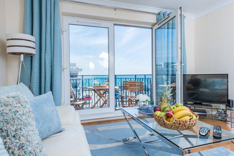 Sea View Brighton Marina Apartment - Free Parking ...