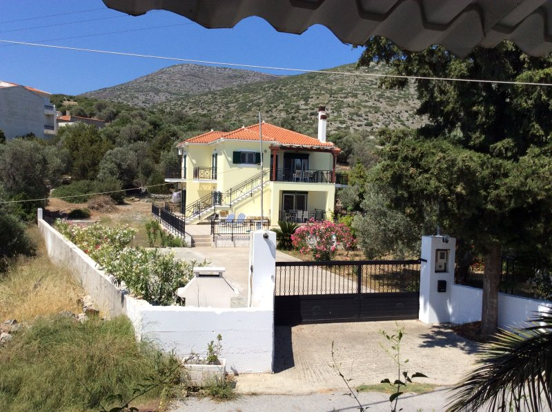 Villa Aristarchos, secluded yet within easy reach of all amenities