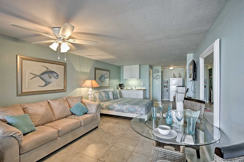 Plan your Daytona Beach Shores getaway to this oceanfront vacation rental studio!