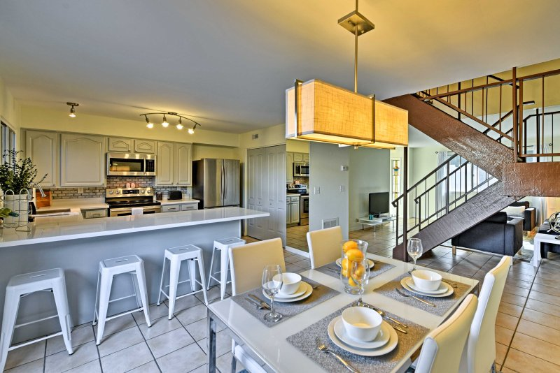 Experience the best of Scottsdale in this vacation rental townhouse for 7.