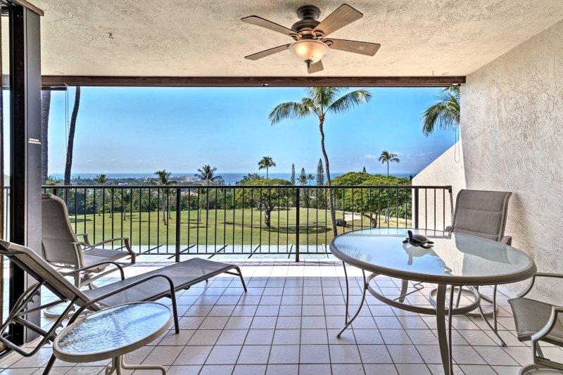 This 2BR, 2-bath Kailua-Kona condo is the perfect spot to enjoy island living.