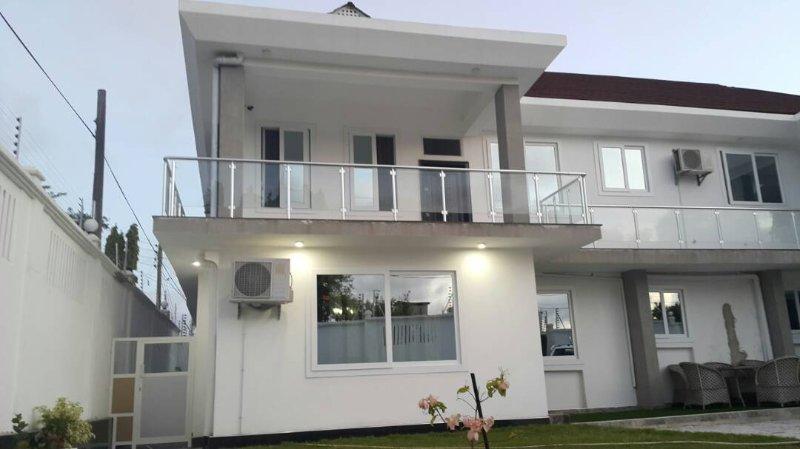 WHITE HOUSE APARTMENTS, casa vacanza a Dar es Salaam