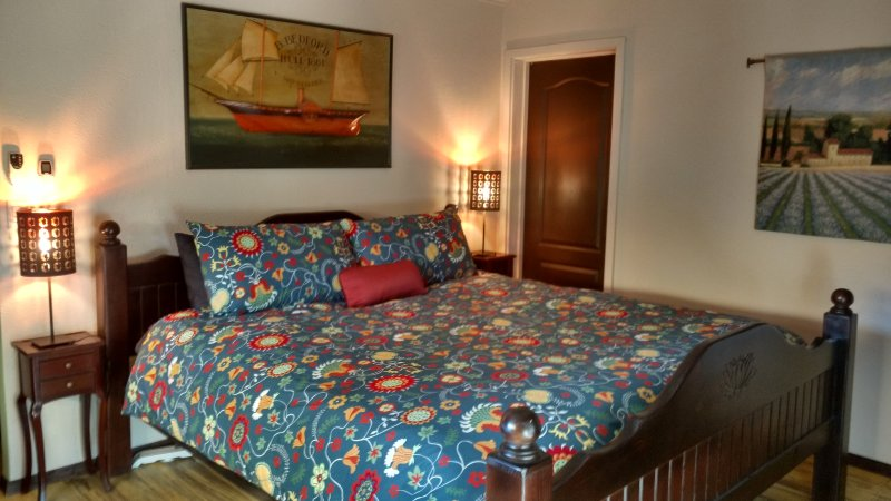 Vinophiliac B&B Garden Suite, holiday rental in Villa de Juarez