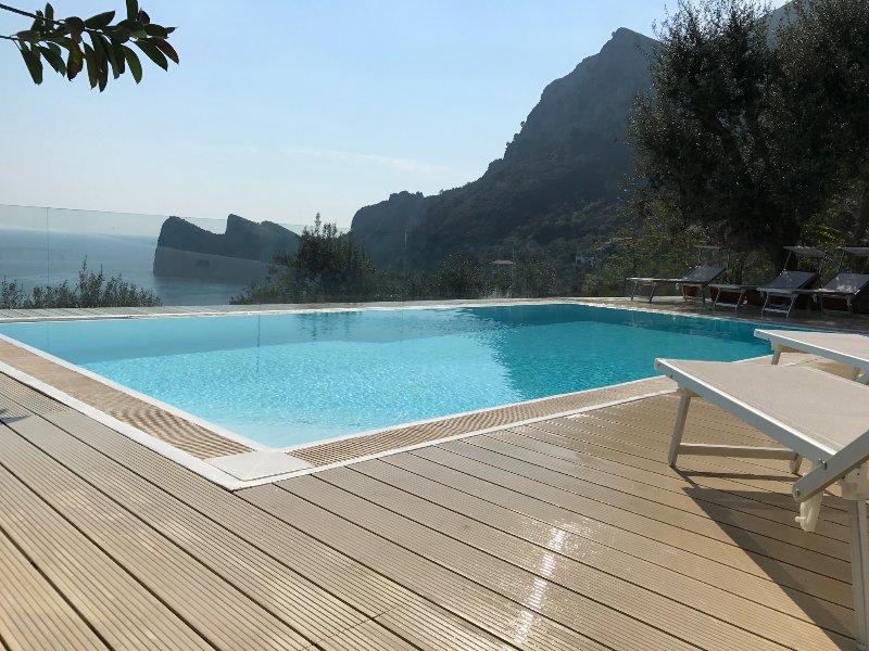 Levante, holiday rental in Sirenuse