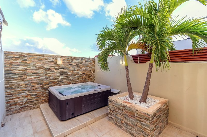 Private terrace with Jacuzzi tub