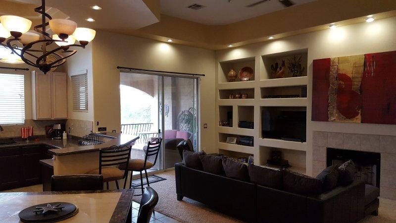Grande chambre AZ, terrasse privée w / barbecue, salle à manger et Comptoir de bar