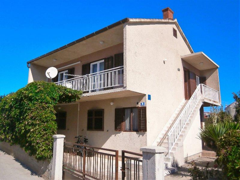 Želo A1(3+2) - Betina, holiday rental in Betina
