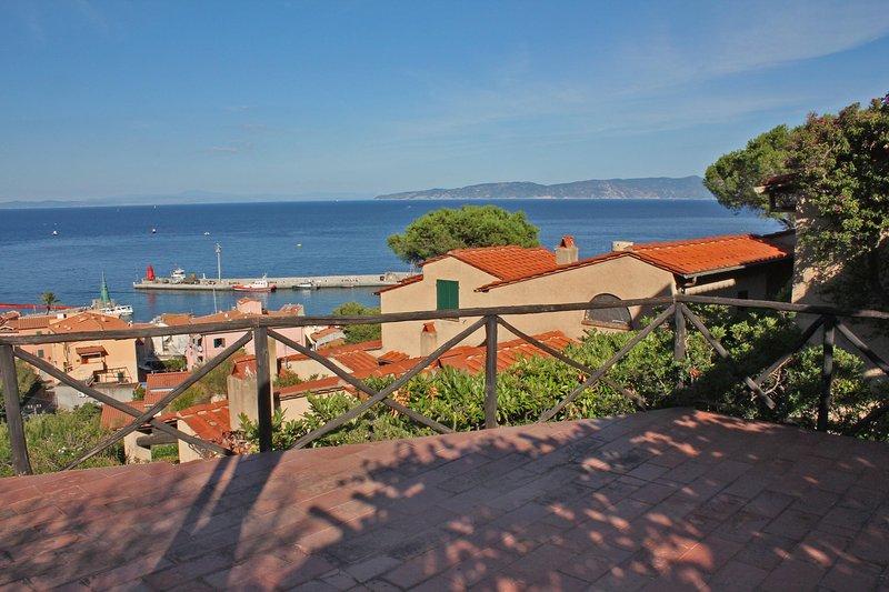 Villa Calypso, een terras met spectaculair uitzicht op zee