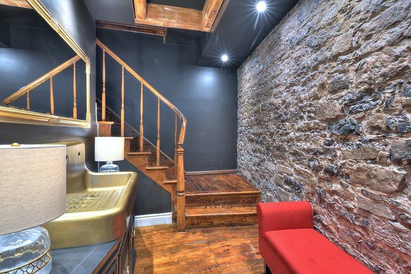 scale che portano al secondo piano
