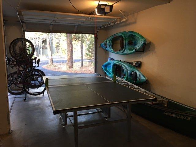Garage plein de jouets
